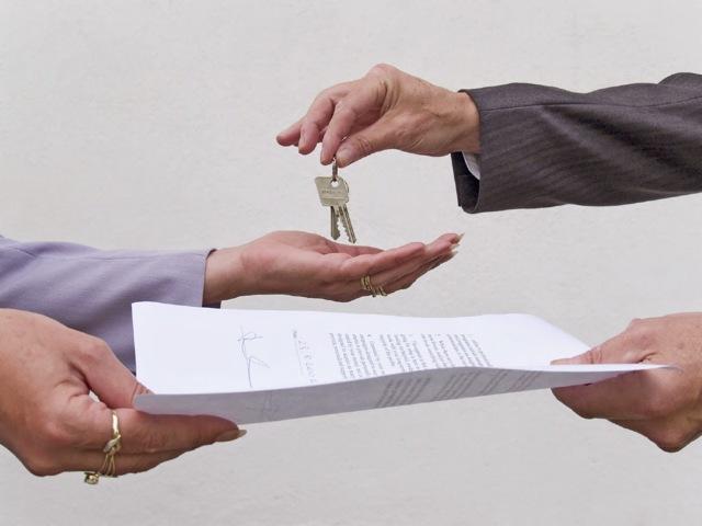 Можно ли сдавать ипотечную квартиру в аренду?