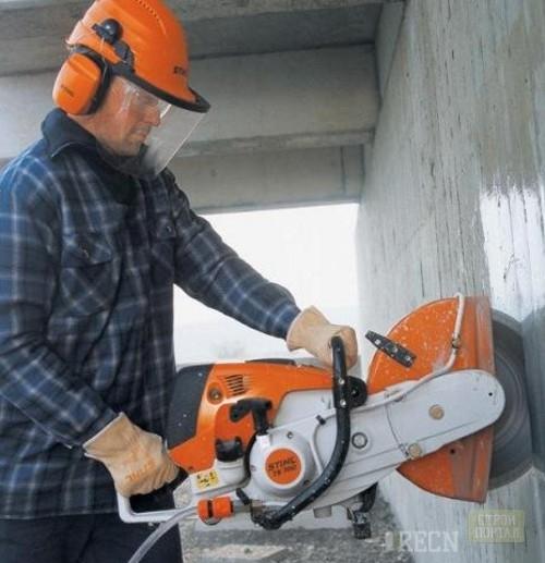 Как выполнить демонтаж торца стены правильно?