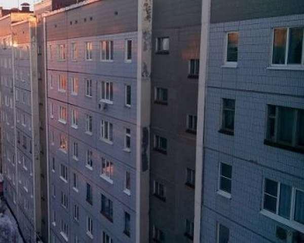 При покупке квартиры надо платить налог по закону?