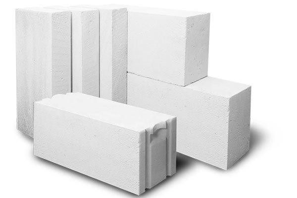 Является ли внешняя стена из пеногазобетонных блоков несущей?