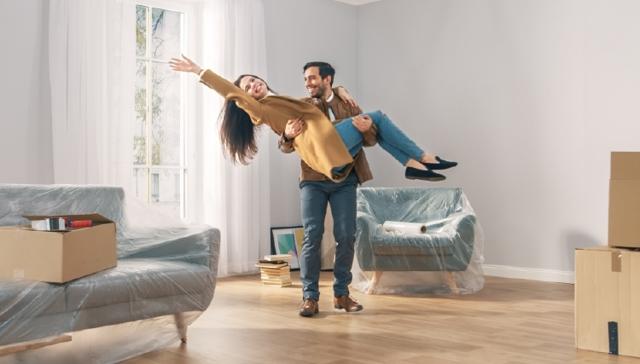 Как купить квартиру в новостройке по переуступке?